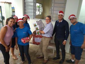Empresa WOODBRIDGE BRASIL ( TW Espumas ) entrega Doações de Produtos de Limpeza e Higiene