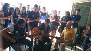 Jovens do CIEE visitam o Lar dos Velhinhos de Capivari