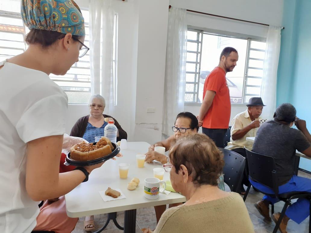 Colaboradores do Banco Santander agencia Capivari realizam Ação Voluntária