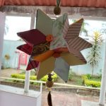 Moradora Cenira produz a Estrela da Felicidade – Arte Giramundo.