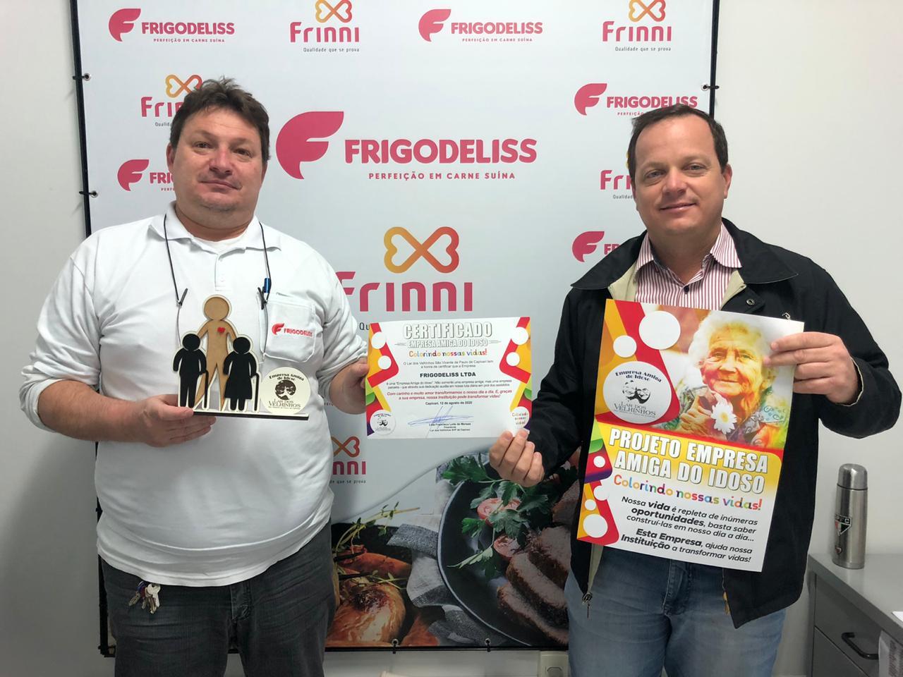 Empresa FRIGODELISS recebe troféu e certificado Empresa Amigo do Idoso.
